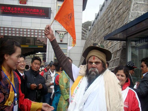 China opens Nathu La as 2nd route for Kailash pilgrims