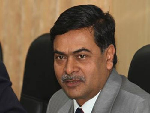 Helping Lalit Modi is legally, morally wrong: BJP MP R K Singh