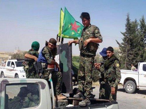 Kurds take Syria military base near Islamic State stronghold