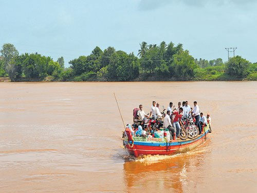 River Krishna in spate, it keeps pouring in State