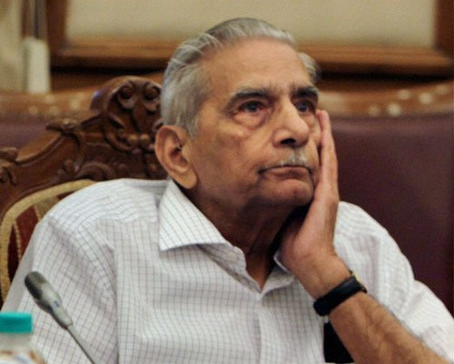 Would've done the same in Sushma's place: Shanti Bhushan