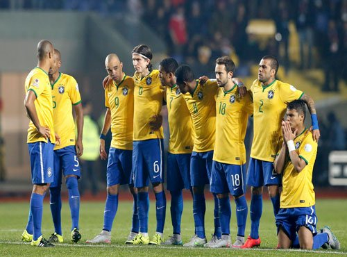 Virus affected 15 Brazil players before quarter-final: Coach