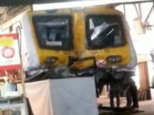 Local train rams into dead end at Churchgate; 5 hurt, 3 suspended