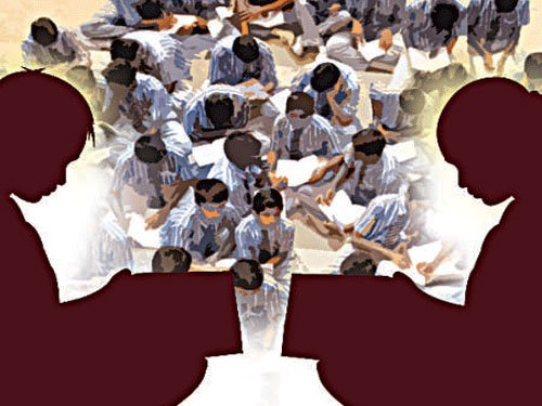 Pvt schools want parents of RTE kids to pay for books, uniforms
