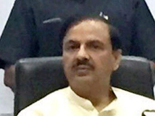 Congress hits back at Sharma over his 'no work, no pay' remark