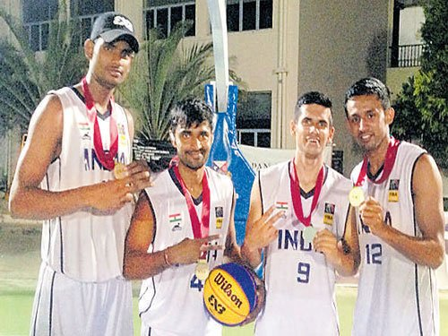 Indians clinch gold