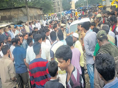 Out on bail, rape case accused hacked to death in public view