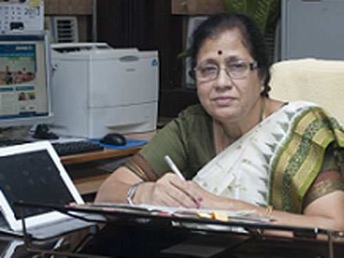 Puducherry students intensify stir;demand HRD ministry remove VC