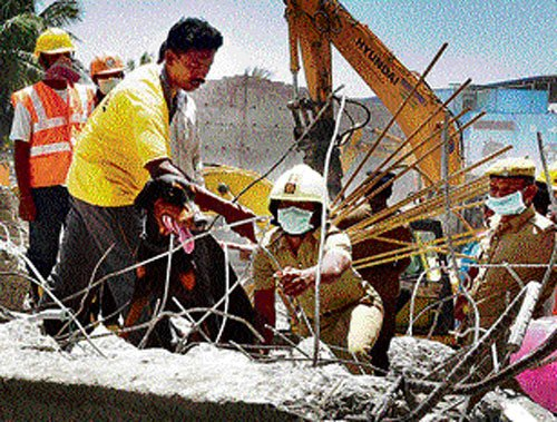 Building collapses in Thane, 11 dead and several injured