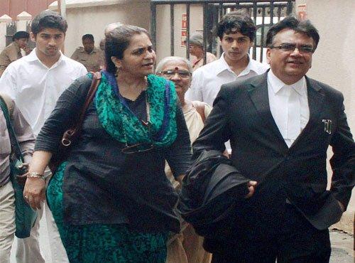 Cops oppose Teesta's plea to de-freeze bank accounts