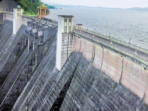 Scanty rain cuts power production in U-K dams