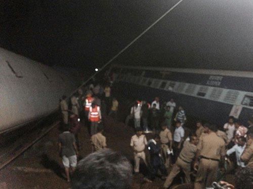 25 killed in MP twin train derailments