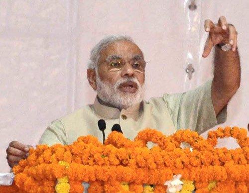 Steps needed to ensure handloom weavers get rightful wage: Modi