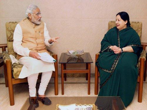 Jaya raises Mekedatu project with Modi
