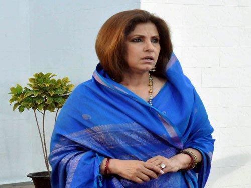SC notice to Dimple, Akshay on plea of Rajesh Khanna's partner