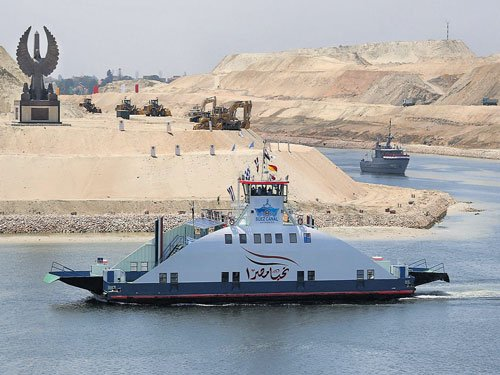 Hope and hype around 'New Suez Canal'