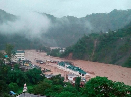 HP: 4 feared dead in flash floods triggered by cloudburst