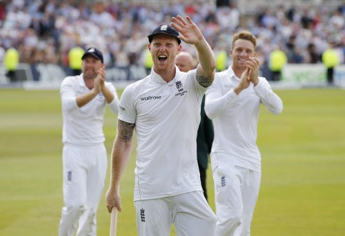 England wins 4th Test, regains Ashes from Australia
