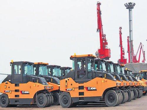 China's July exports slump 8%