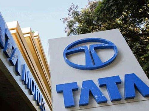 Tata Motors net worth dips 16.5%