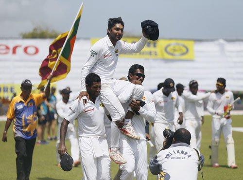 Galle gives emotional farewell to Sangakkara