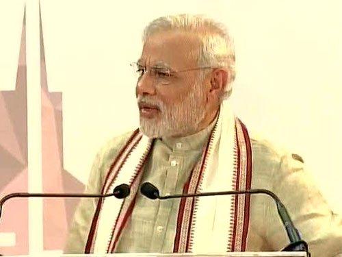 India proud of expatriates: Modi