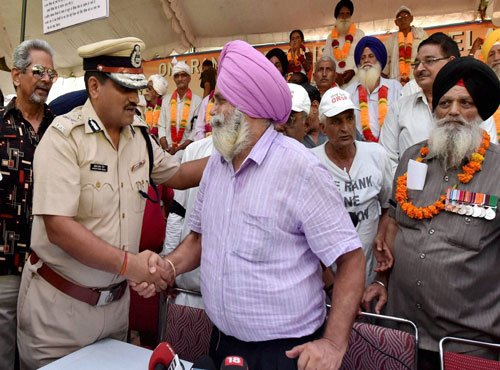 Veterans not to escalate OROP protest for 10 days