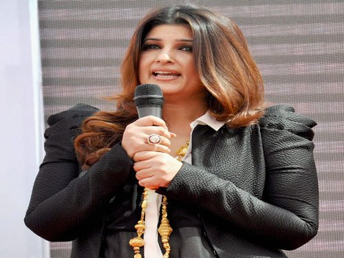 Twinkle Khanna takes dig at actors, politicians at book launch