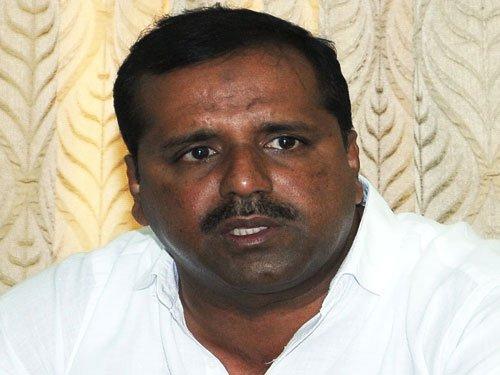 Health dept medicos will be transferred: Khader