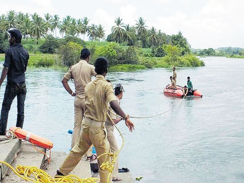 Brothers performing funeral rites drown in Cauvery Sangama