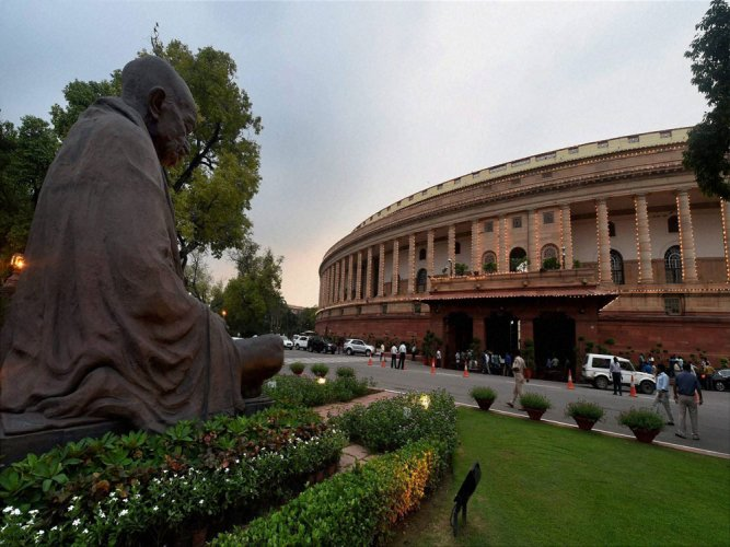 Govt may again go in for ordinance on land bill