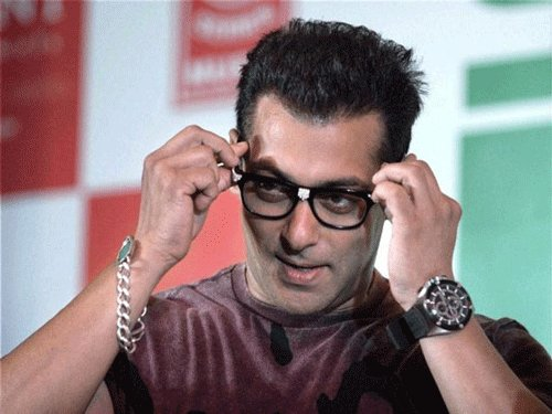 Now, a three-year-old proposes Salman for marriage!