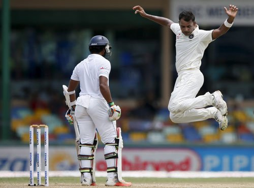 Gritty Lankans hit back in style