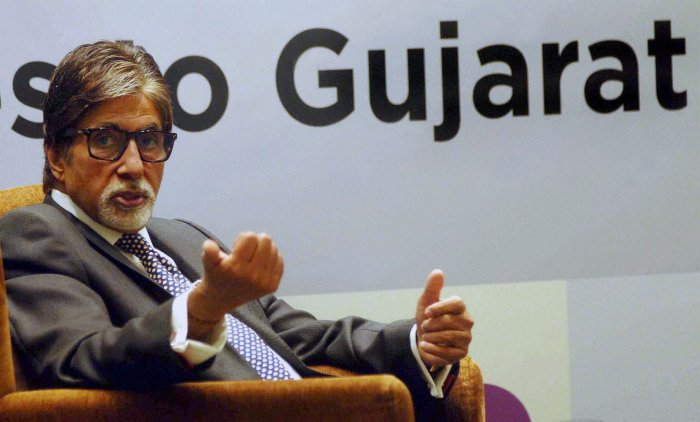Big B's Twitter account hacked, complains against 'abusive sms'