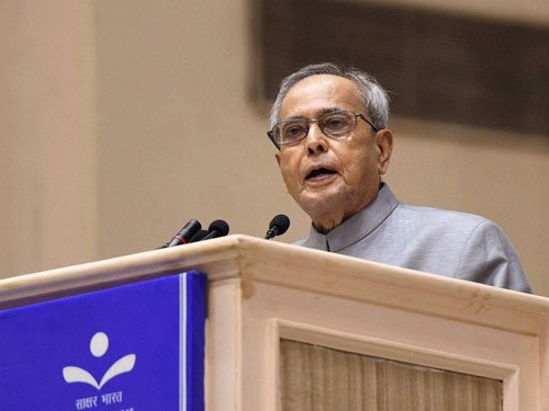 President gives away Gandhi Peace Prize to ISRO