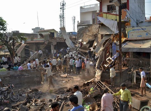 Cylinder explosions kill 89 in MP town