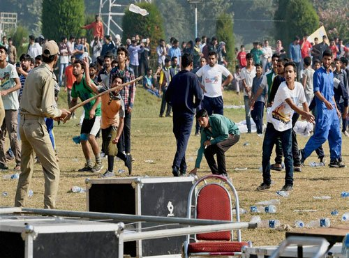 Clashes mar first-ever intl marathon in Valley
