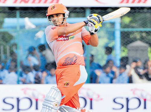 Tuskers win to keep hopes alive