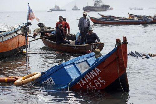22 dead after Greece-bound migrant boat sinks off Turkey