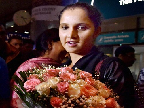 I don't care about a few as whole country loves me: Sania