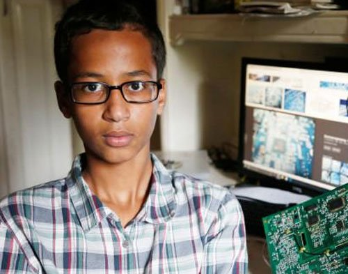 Teen arrested for clock gets invitation from White House, Facebook and Google