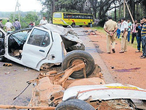 Accidents due to tyre bursts serious issue: Govt
