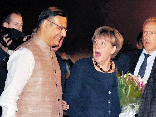 Merkel reaches India in military aircraft
