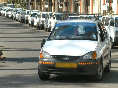 App-based cabs to be treated as any other taxi service: Govt