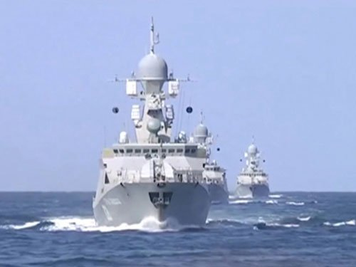 Russia fire cruise missiles as Moscow backs Syrian offensive