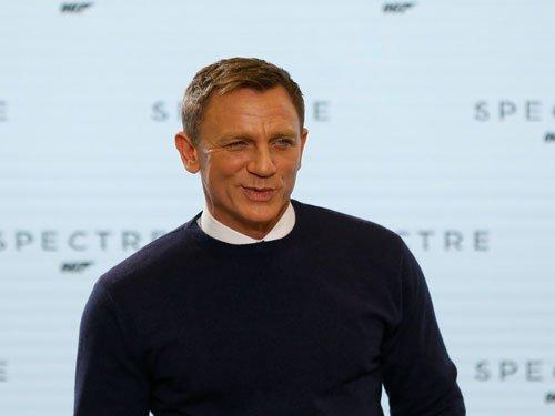 Would rather slash wrists than play Bond again: Craig