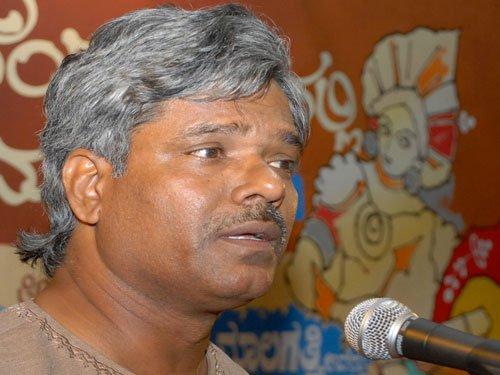 Kannada writer among 6 to return Akademi awards