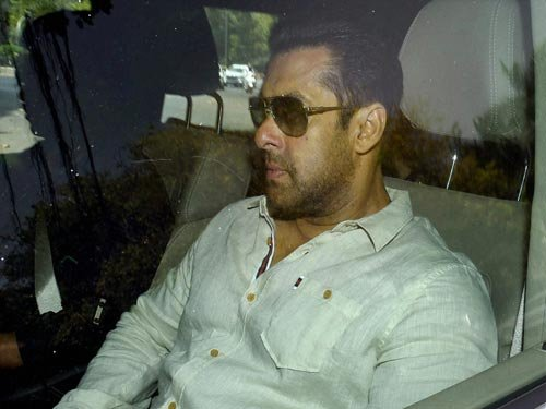 Constable made eyewitness at  last stage, says Salman's lawyer
