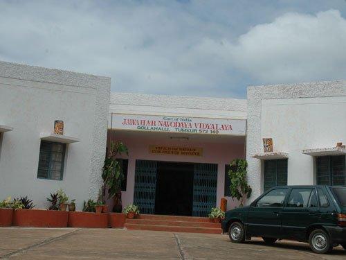 'Make parental income a criterion in Navodaya schools'