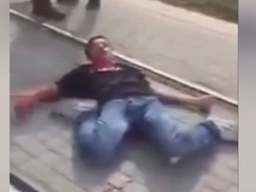 Video: Palestinian boy bleeds to death, Israeli onlookers abuse him